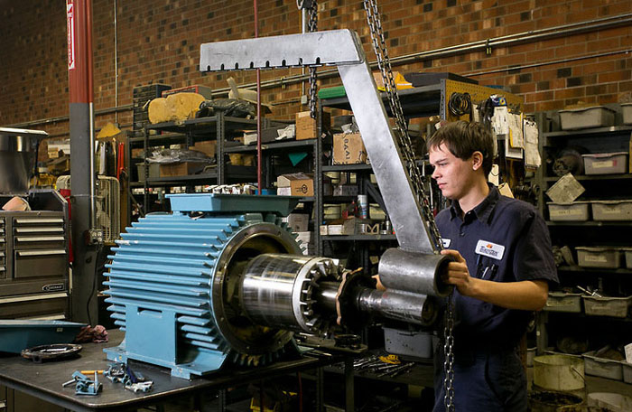 Disassemble electric motor for Biedler s electric motor repair